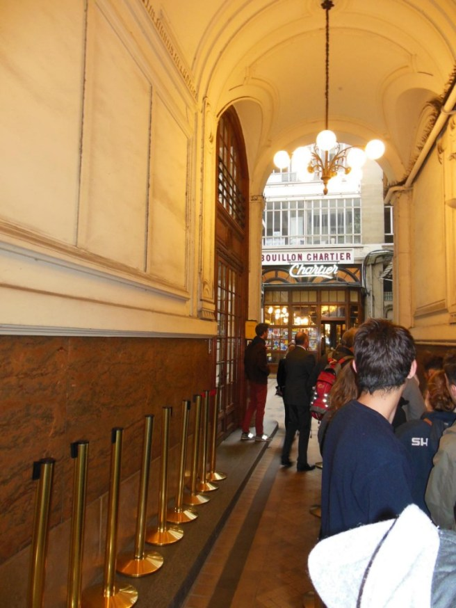 Paris - Restaurant Chartier Warteschlange
