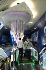 So stylisch sind die Metrostationen in Dubai