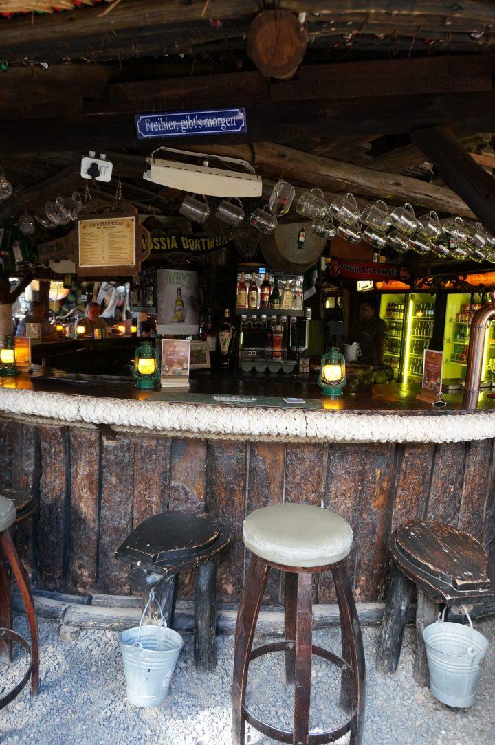 Kloschüssel Barhocker Joes Beerhouse