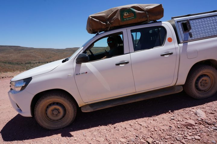 4x4 Toyota Hilux mit Dachzelt