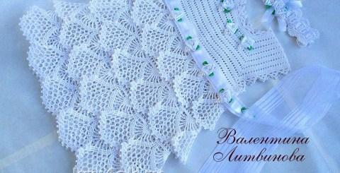 Ganchillo vestido de niña en blanco
