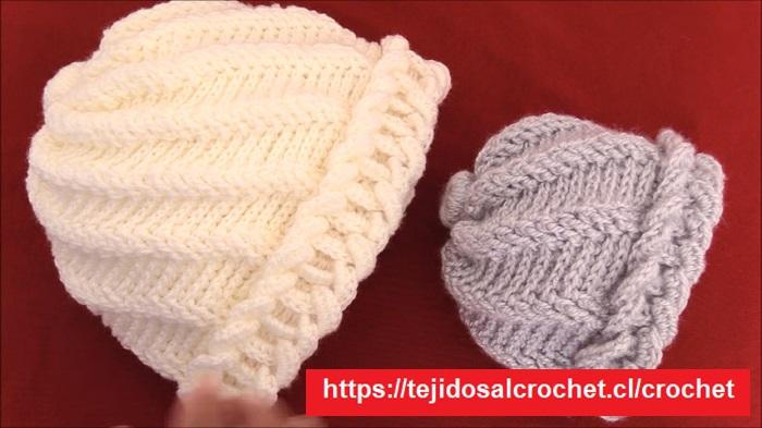 Gorro con argollas de crochet