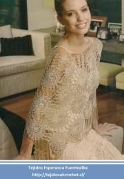 Ponchos tejidos a crochet. Un lindo poncho tejido con seda, elegante