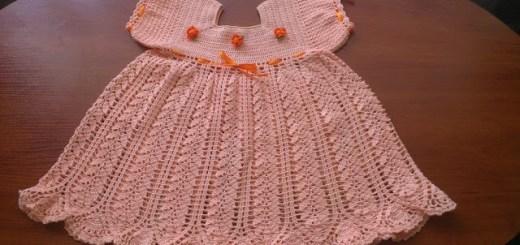 Vestido de ganchillo con gráfico para niñas