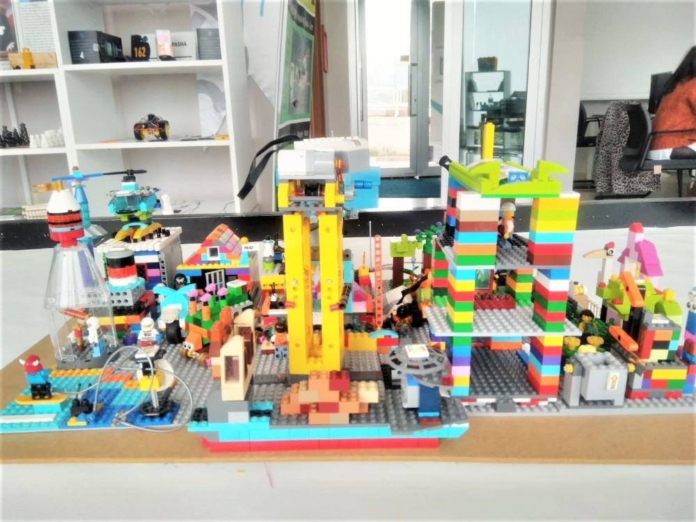 Öğrenciler yaşadıkları şehrin 20 yıl sonrasını tasarladılar