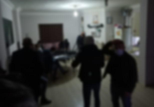 Salgın operasyonunda 2 kişi tuvalette yakalandı: 37 bin 800 lira ceza