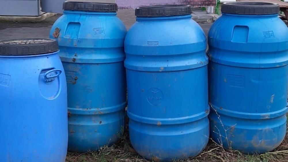 Yılbaşı öncesi 100 polisle dev operasyonda 1.5 ton kaçak içki ele geçirildi