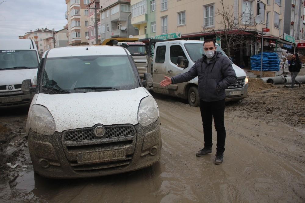 AK Parti'den CHP'li büyükşehir belediyesine 'Ucube yol' tepkisi