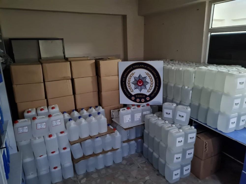 Tekirdağ'da 3 buçuk ton etil alkol ele geçirildi