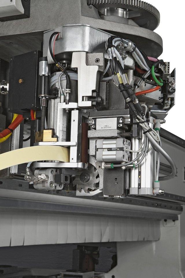 Кромкооблицовочный узел Morbidelli P800, производство SCM (Италия)