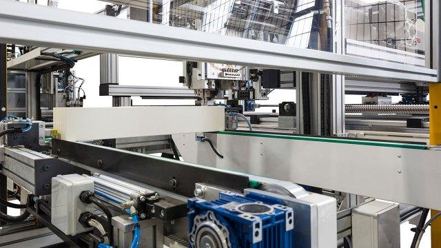 Работа SFA 90 - вайма с автоматической загрузкой, производитель Fiorenza Италия