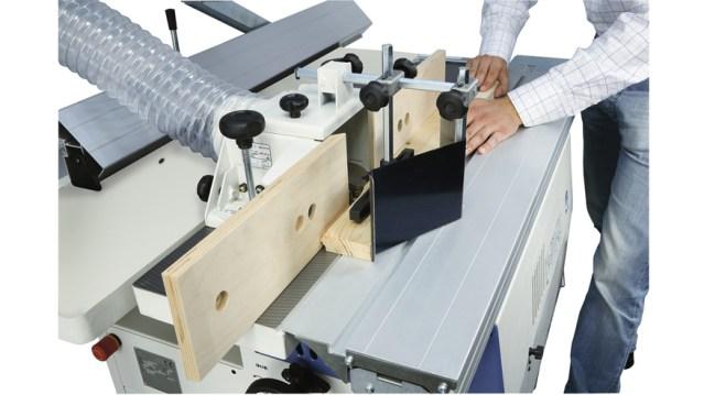 Обработка древесины на многооперационном станке Minimax C 30G, производство SCM Италия