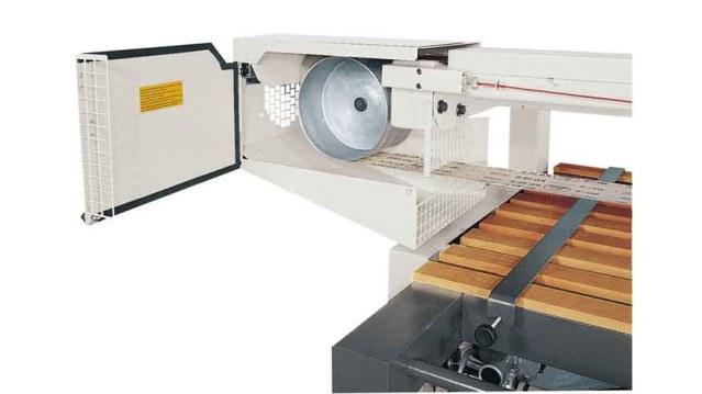 Ленточношлифовальный станок с патрубком аспирации и коллектором Minimax LS, производство SCM Италия