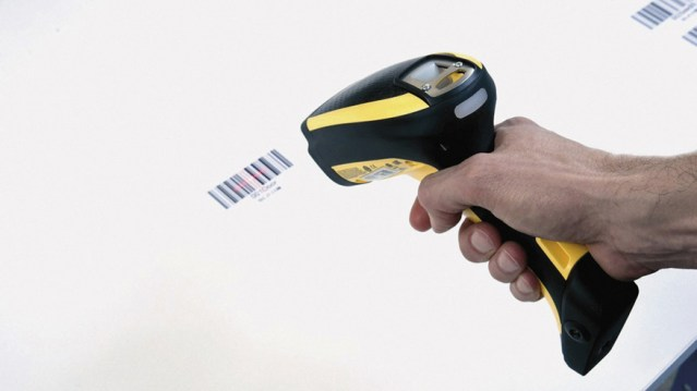 Считывание штрих-кода в сверлильно-присадочном станке с ЧПУ и пазовой пилой Startech CN V, производство SCM Италия