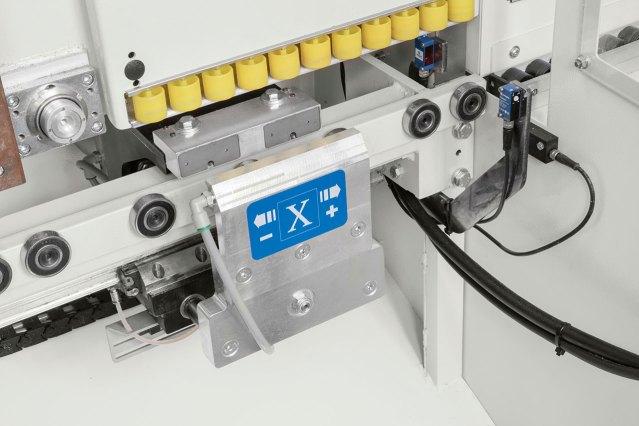 Мобильный зажим Startech CN Plus обрабатывающего центра для сверления и распила с ЧПУ Startech CN Plus, производство SCM Италия