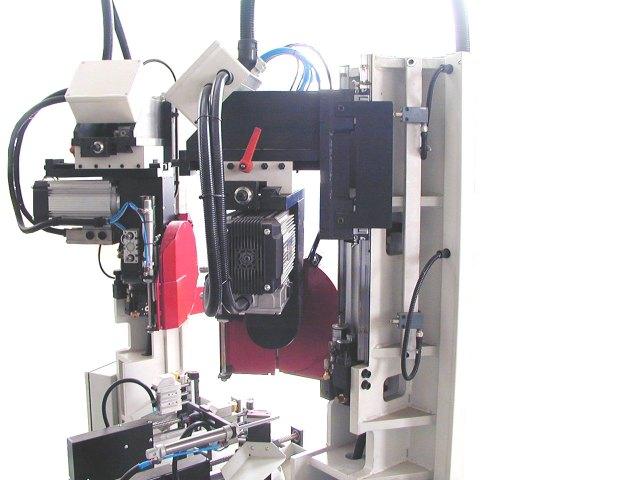 Пяти осевой станок с ЧПУ  для зарезки багетной рамки BTTF-E, производство Fiorenza Италия