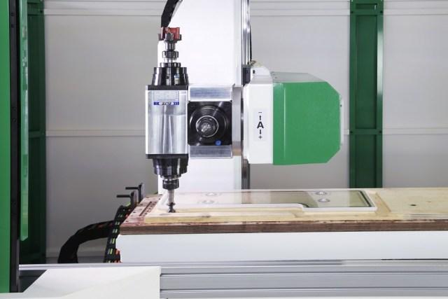 Обрабатывающий центр с ЧПУ Giotto с 4 интерполированными осями, производство Greda Италия