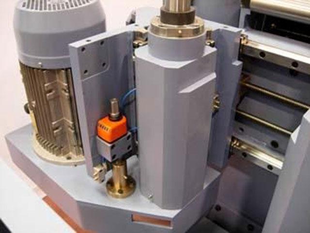 Вертикальные шпиндели (опция) 2-стороннего рейсмуса серии Universal, производство Bottene (Италия)