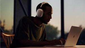 Apple, İlk Kulak Üstü Kulaklığı AirPods Maxi Tanıttı