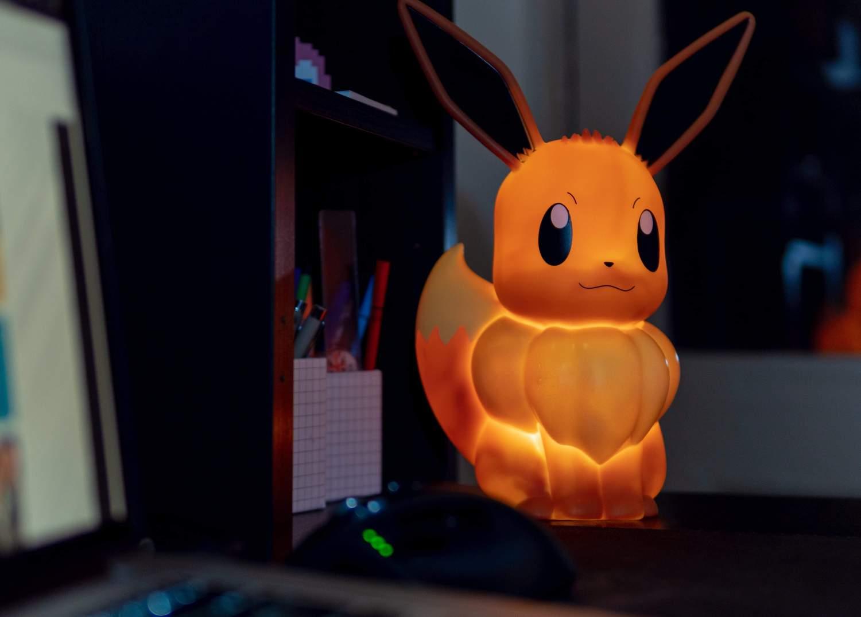 Lampe LED Pokémon Évoli 30cm