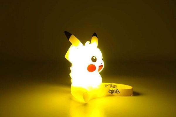 光るピカチュウフィギュア-9cm 9
