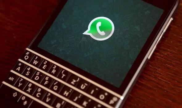 Jinsi Ya Kujitoa Kwenye Group la WhatsApp Na Kulivunja (kulifuta) Kwa Siri!