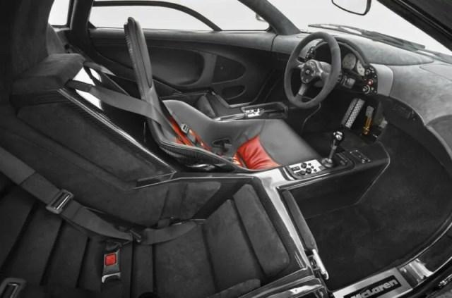 McLaren-F1-gari-ndani