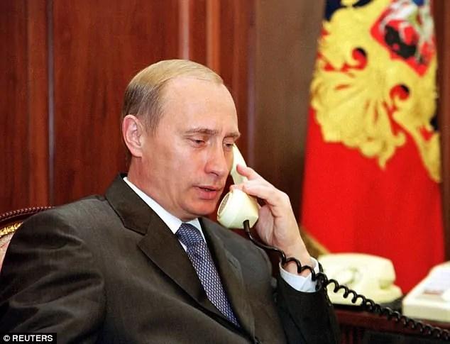 Rais wa Urusi Vladimin Putin hatumii kabisa simu janja