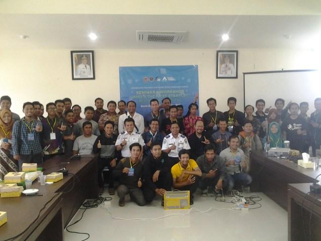 Foto Bareng Peserta dengan Komunitas Startup Banjarmasin Dishubkominfo Prov Kalsel