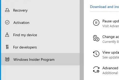"Pilih ""Program Windows Insider"" di Sidebar"