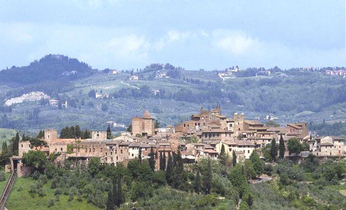 Панорама міста Чертальдо Італія