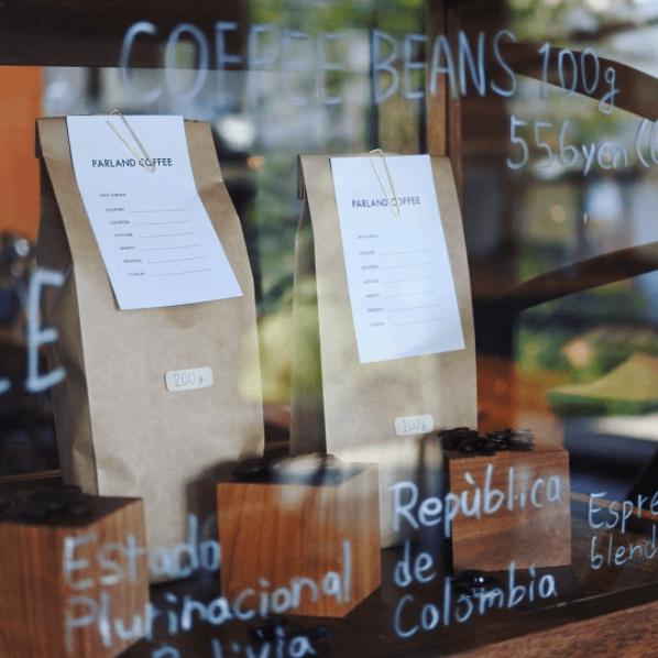 オーナー厳選のコーヒー豆も購入できます