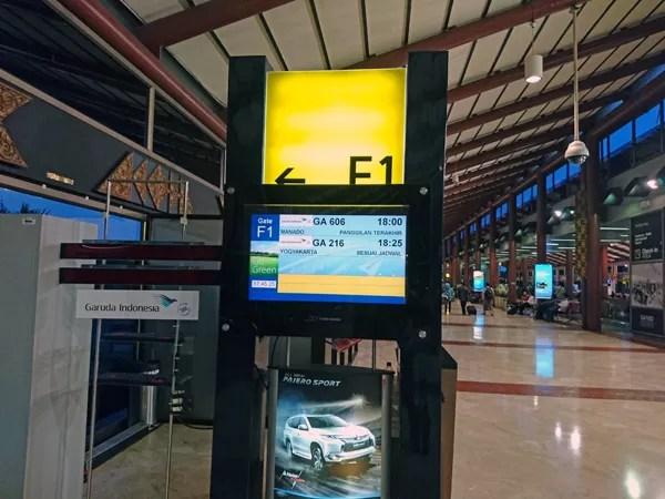 ※GA216便国内線でジョグジャカルタへ