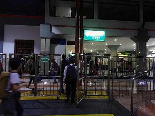 ※ジョグジャカルタ駅に帰ってきました。