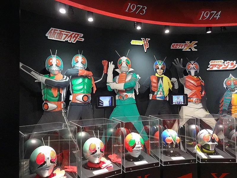 仮面ライダー1号・2号・V3・ライダーマン・Xそして何故かアマゾンと続く。