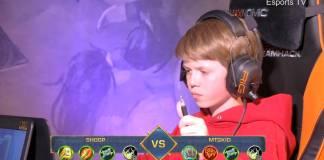 Niño gamer ganador de torneo