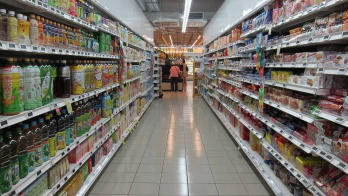 Foto de un supermercado por dentro
