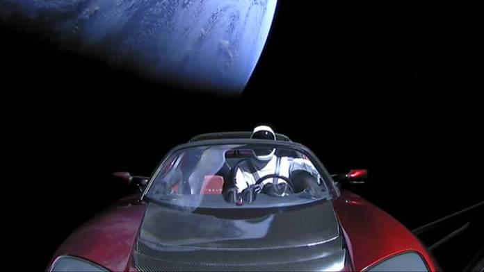 tesla-roadster-espacio