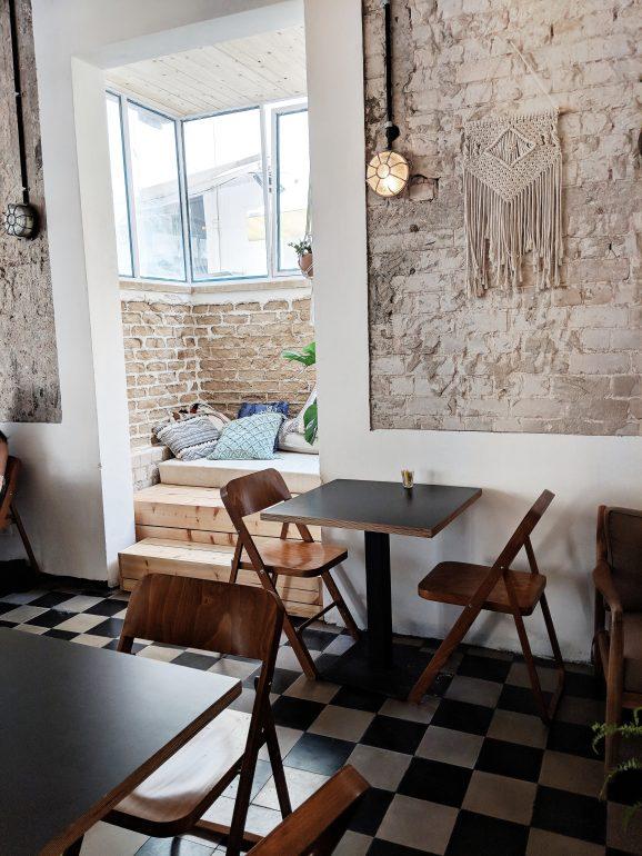 zoti and julia cafe tel aviv