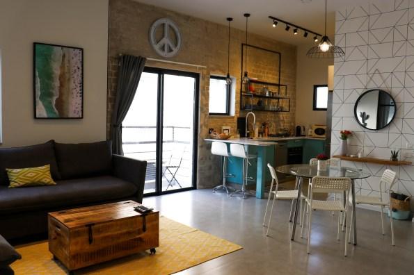 airbnb apartment in tel aviv kitchen
