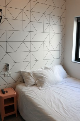 airbnb apartment in tel aviv bedroom