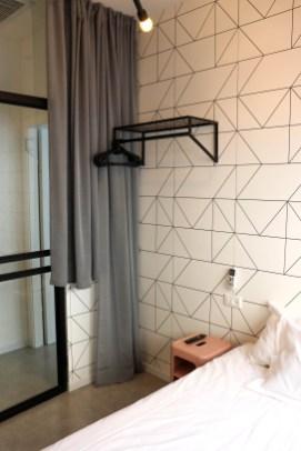 airbnb apartment in tel aviv bathroom