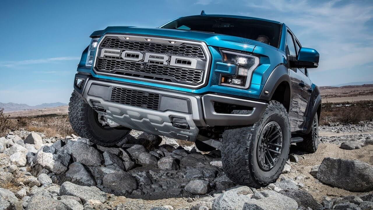 Badai Pandemi Paksa Ford Hentikan Produksi Bronco dan Ranger
