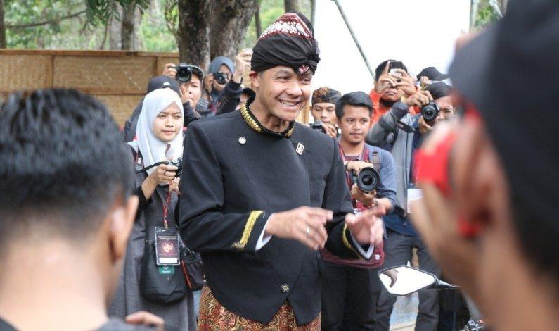 Jadi Juri Photography, Bambang Mugiarto Dampingi Ganjar di FWG Foto Kontes