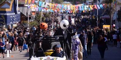Fiesta en las calles geselinas durante el fin de semana largo (Fotos Ricardo Stinco).