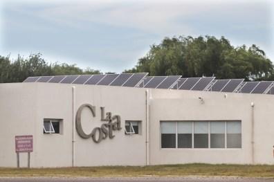 56 paneles solares ya dotan al hospital de Santa Teresita de energía renovable