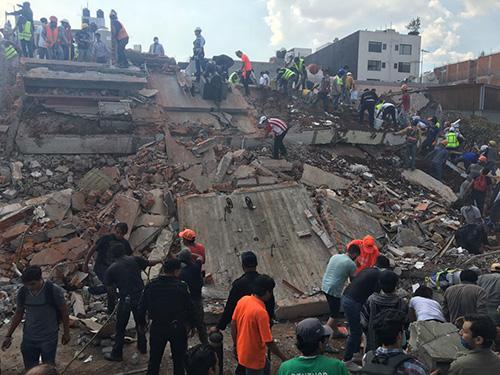 Suman 230 personas fallecidas por terremoto del martes en México.