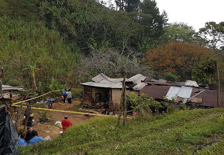 Dos mujeres mueren quemadas en su vivienda.