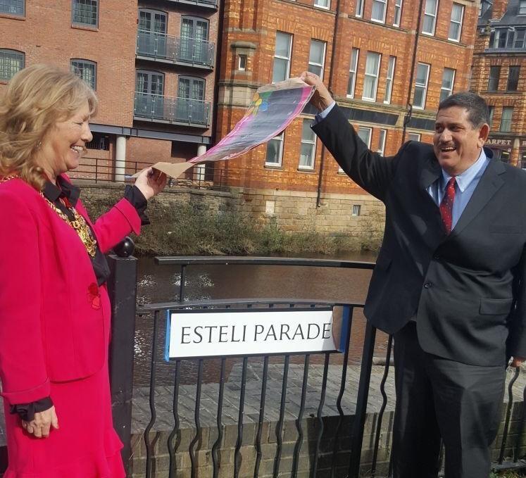 """Alcalde de Estelí inaugura calle """"Estelí Parade"""" en Londres."""