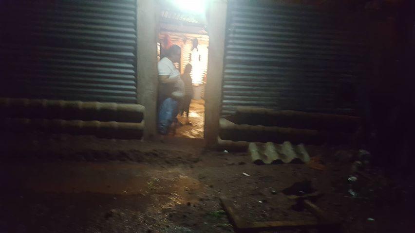 Lluvias inundaron vivienda de una pareja de no videntes en Estelí.